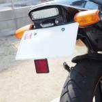 バイクの後部反射板(リフレクター)が無いと整備不良!フェンダーレスにはナンバーに付けるタイプがおすすめ