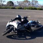 【ワークマン】ライディングパンツの安全性『バイク用ではない』転倒実験とプロテクター考察